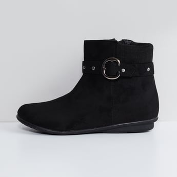 MAX Zip-up Ankle Boots