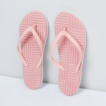 MAX Textured Slippers