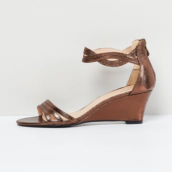 MAX Shimmery Detail Wedges