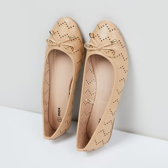 MAX Perforated Ballerinas