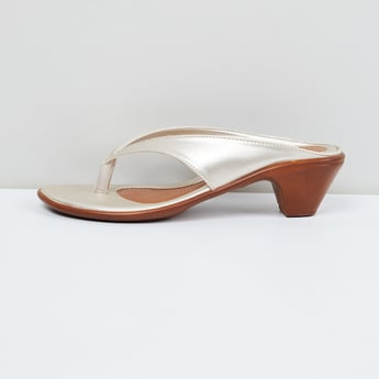 MAX Sheen Detailed V-strap Wedges