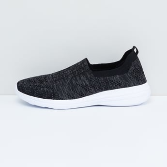 MAX Patterned Weave Slip-On Sports Shoes