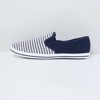 MAX Striped Colourblock Plimsolls