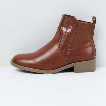 MAX Reptilian Textured Chukka Boots