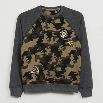 MAX Camouflage Print Raglan Sleeves Sweatshirt