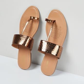 MAX Laser Cut Toe-Ring Flat Sandals