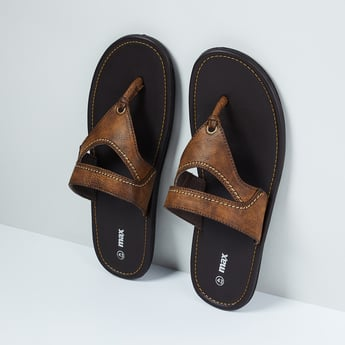MAX Cut-Out Detailed Sandals