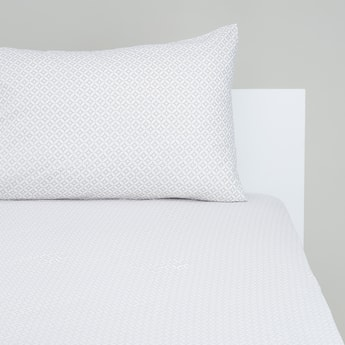 Printed Single Fitted Sheet with Elasticised Hem - 200x90 cms