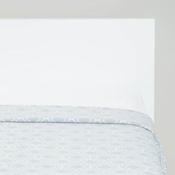 Trellis Print Fleece Blanket - 200x135 cms