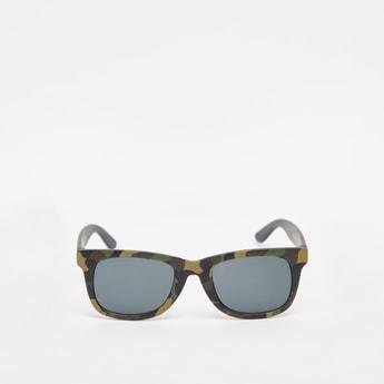 نظارة شمسية بإطار كامل وطبعات مموهة