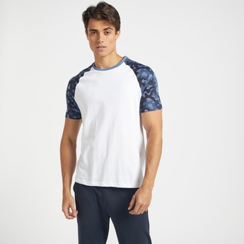 Round Neck T-shirt with Printed Raglan Sleeves