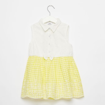 Checked Sleeveless Dress with Spread Collar and Bow Applique Detail
