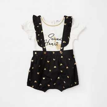 Printed Round Neck T-shirt and Knee Length Dungarees Set