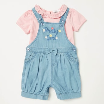 Solid Short Sleeves T-shirt with Textured Dungaree Set