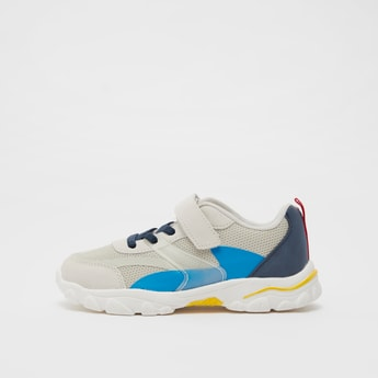 Textured Sports Shoes with Colour Block Detail and Pull Tab