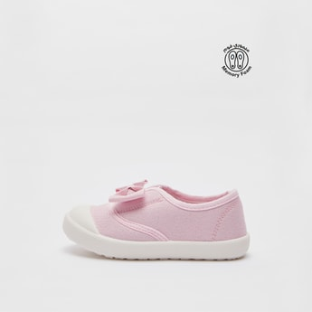 Bow Detail Slip-On Shoes
