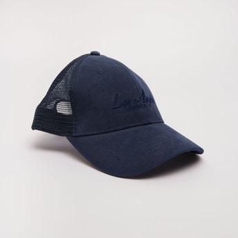 قبعة مطرزة قابلة للتعديل مع تفاصيل شبكية