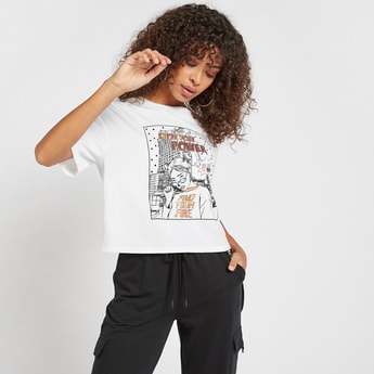 Sequinned Graphic Print Boxy T-shirt with Short Sleeves and Round Neck