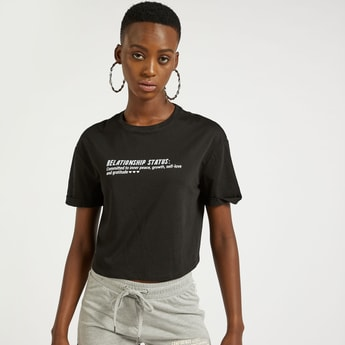 Printed Cropped T-shirt with Round Neck and Short Sleeves