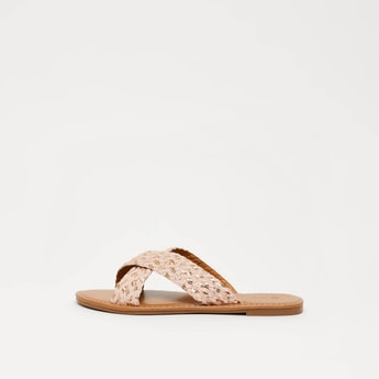 Flat Sandals with Criss Cross Straps
