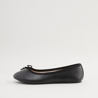 Solid Round Toe Ballerinas with Bow Accent
