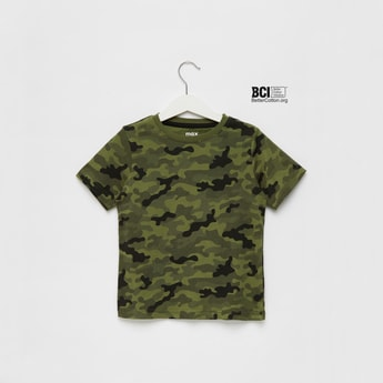 All-Over Camouflage Print T-shirt with Round Neck and Short Sleeves
