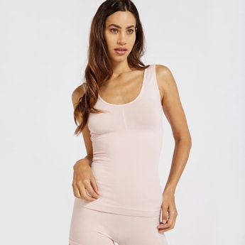 Solid Shaping Sleeveless Camisole with Scoop Neck