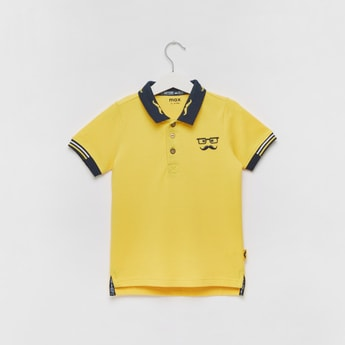 Textured Polo T-shirt with Short Sleeves and Button Closure