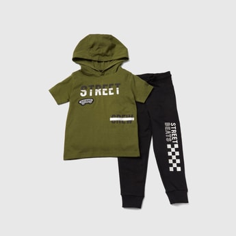 Graphic Print Hooded T-shirt with Jog Pants Set