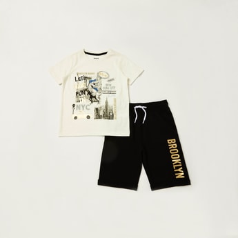 Graphic Print Short Sleeves T-shirt with Solid Knit Shorts Set