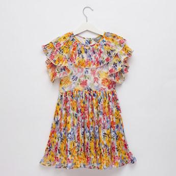 فستان بطول الركبة بأكمام كاب وتفاصيل كشكش وطبعات أزهار