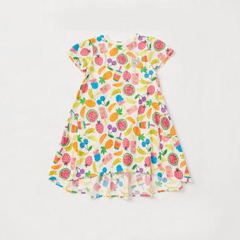 فستان متعدد الطبقات بطبعات فواكه وأكمام قصيرة وياقة مستديرة