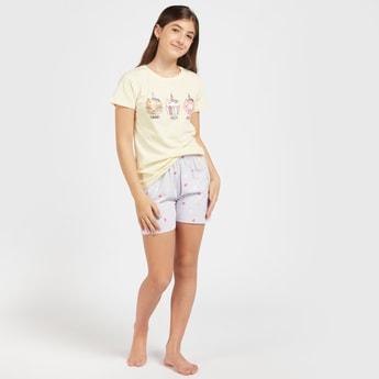 Graphic Print Short Sleeves T-shirt and Shorts Set
