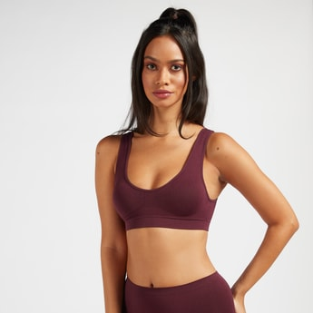 Solid Seamless Support Bra with Scoop Neck