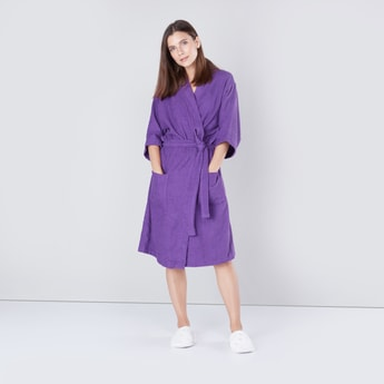 Extra Large Textured Bathrobe with Waist Tie Up and Pocket Detail