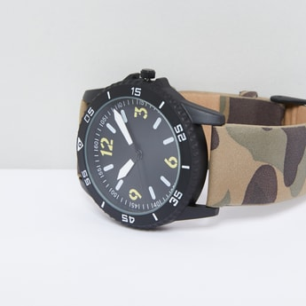 Camouflage Printed Analogue Wristwatch