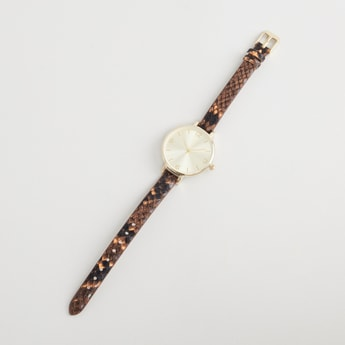 Round Dial Wristwatch with Textured Strap and Pin Buckle Closure