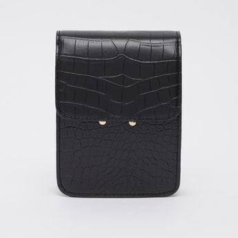 Textured Crossbody Bag with Chain Detail and Magnetic Snap Closure