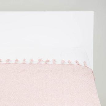 بطانية خفيفة بارزة الملمس بشرّابات - 152x127 سم