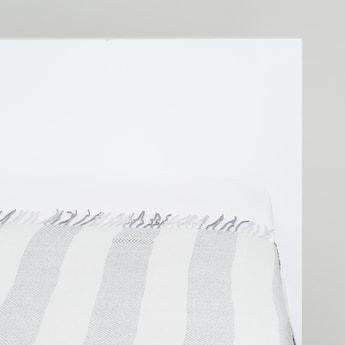Chevron Print Textured Throw with Tassel Detail - 127x152 cms