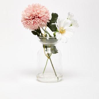 مزهرية بأزهار اصطناعية