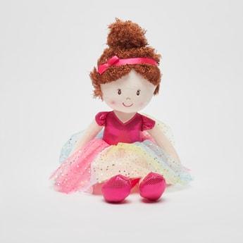 دمية ناعمة بفستان شبكي متعدد الألوان