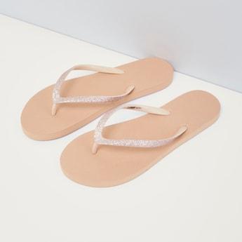 حذاء سهل الارتداء بتفاصيل لامعة