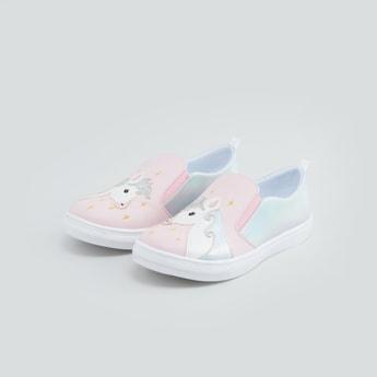 حذاء سهل الارتداء بنقشة يونيكورن