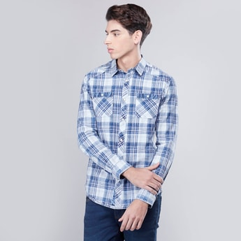 Checked Shirt with Buttoned Pockets and Long Sleeves