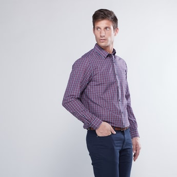 قميص مربعات بأكمام طويلة وأزرار