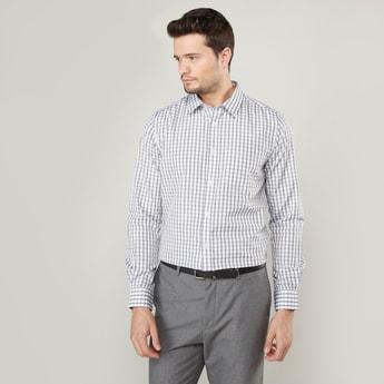 قميص مربعات بأكمام طويلة