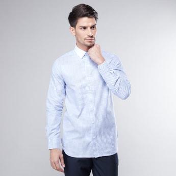 قميص كاروهات بقصّة سليم وأكمام طويلة