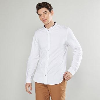قميص سادة بياقة ماندارين وأكمام طويلة
