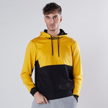 Slim Fit Printed Colourblock Hoodie with Long Sleeves